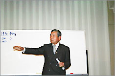 財団法人日本サッカー協会 名誉会長 川渕 三郎 氏